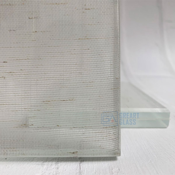 laminated-glass-with-fabric-interlayer