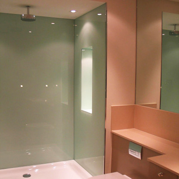 bathroom-glass-wall-cladding