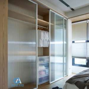Reeded glass closet door